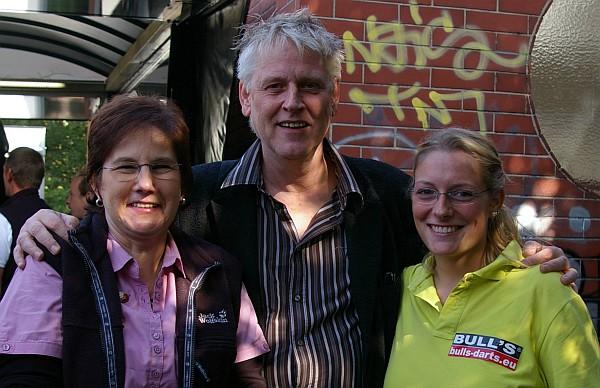 Martin Hebecker (mitte) mit Heike Jenkins und Ann-Kathrin Wigmann - Spree Cup 2013