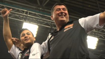 Rowby-John Rodriguez und Mensur Suljovic - World Cup of Darts 2015