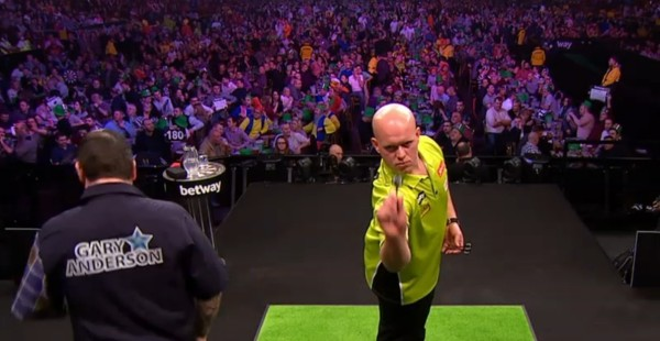 Michael van Gerwen & Gary Anderson - Premiert League Darts 2016 in Newcastle
