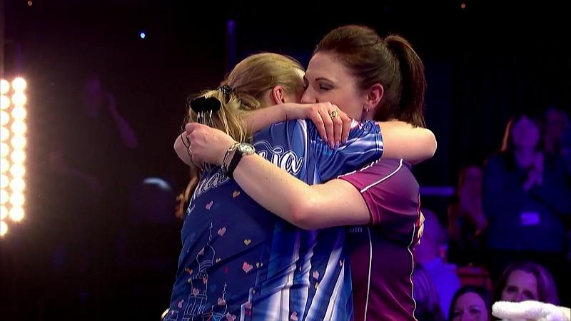 Anastasia Boromyslova und Lorraine Winstanley - BDO Dart WM 2017