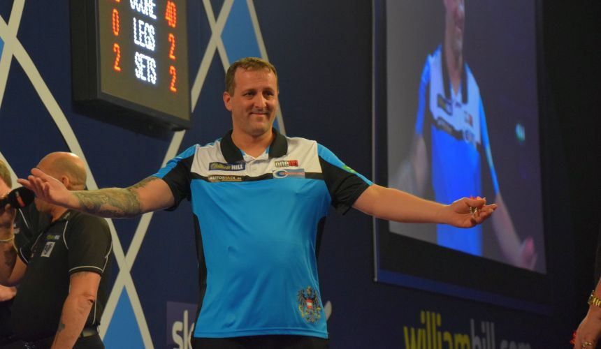 Zoran Lerchbacher bezwingt Mervyn King bei der PDC Dart WM 2018