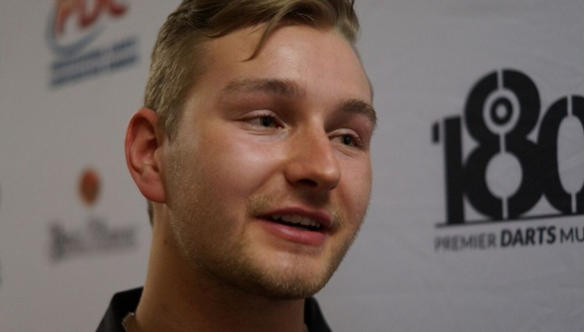 Dimitri van den Bergh im dartn.de Interview mit Kevin Barth - German Darts Open 2017 Saarbrücken