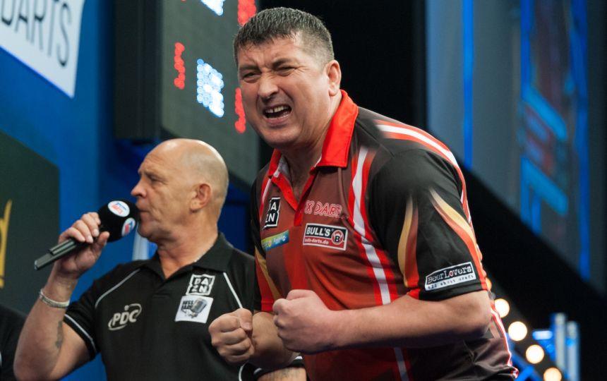 Mensur Suljovic mit 2. Sieg im 2. Spiel - Grand Slam of Darts 2017