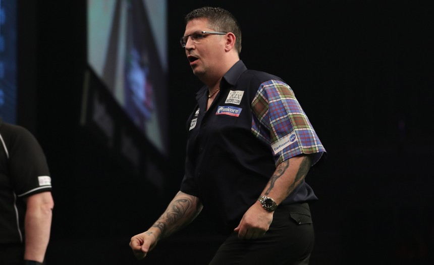 Gary Anderson bei der Premier League Darts 2017 in Dublin