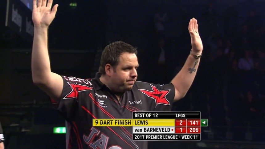 Adrian Lewis mit einem 9-Darter bei der Premier League Darts 2017 in Liverpool