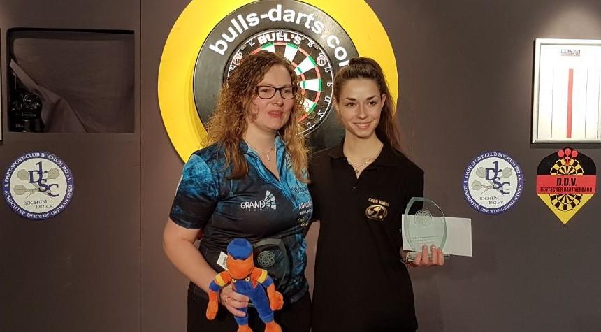 Bull's Darts Masters 2018 Sieger Damen Aileen de Graaf & Vivien Czipo