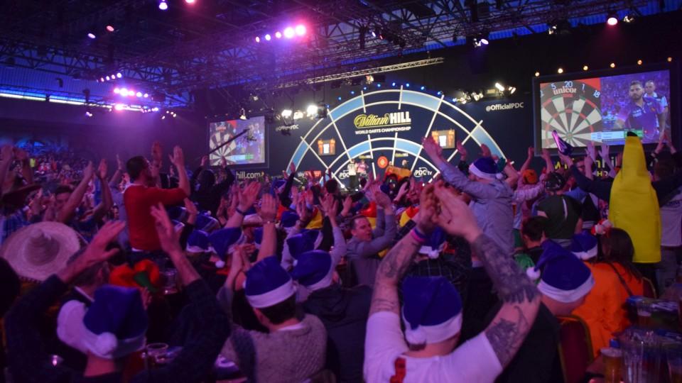 Die Bühne der PDC Dart WM 2019 im Ally Pally in London