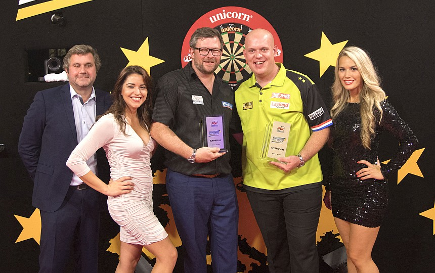 European Darts Trophy 2018 - Siegerbild - Michael van Gerwen & James Wade