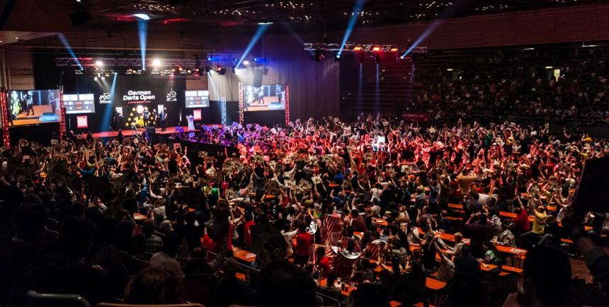 Die Stimmung in der Halle in Saarbrücken - German Darts Open 2018