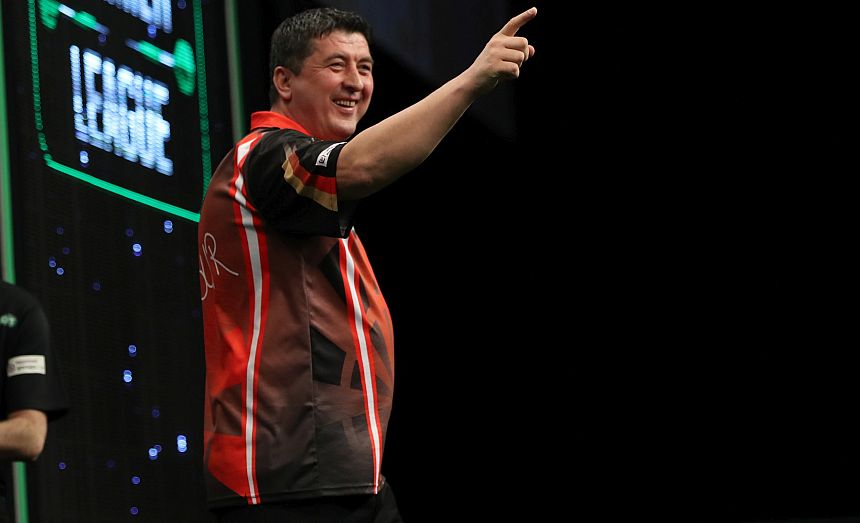 Premier League Darts 2018 - Leeds - Mensur Suljovic