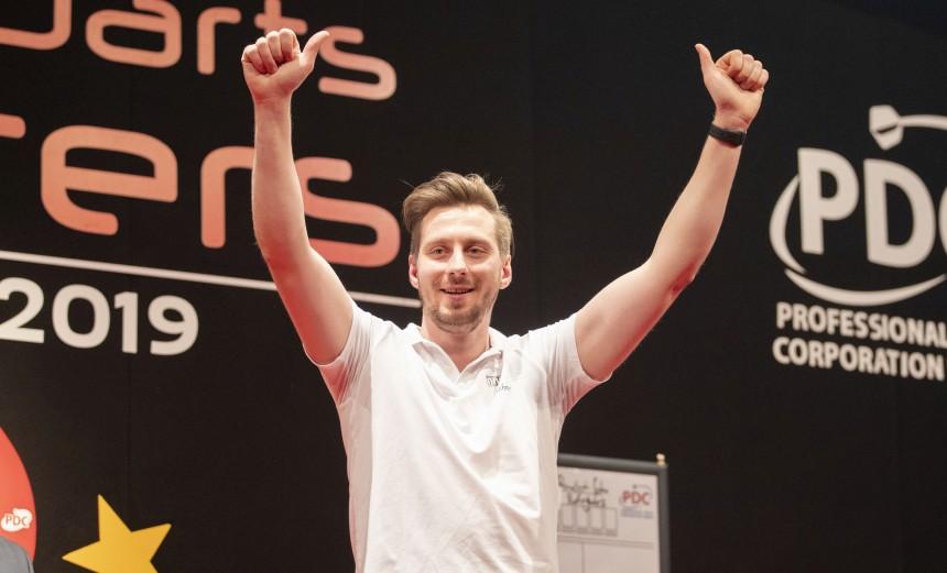 Florian Hempel mit perfektem PDC Debüt