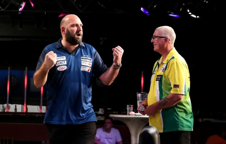 Scott Waites schlägt Paul Hogan