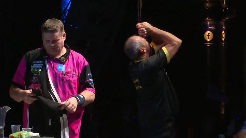 Wayne Warren und Scott Mitchell nach dem Halbfinale der BDO WM 2020