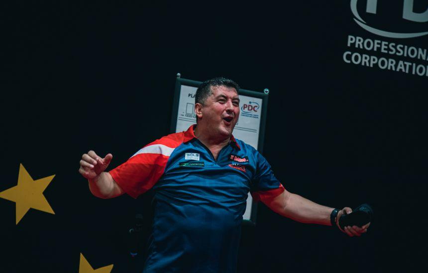 Mensur Suljovic mit der stärksten Leistung in der zweiten Runde