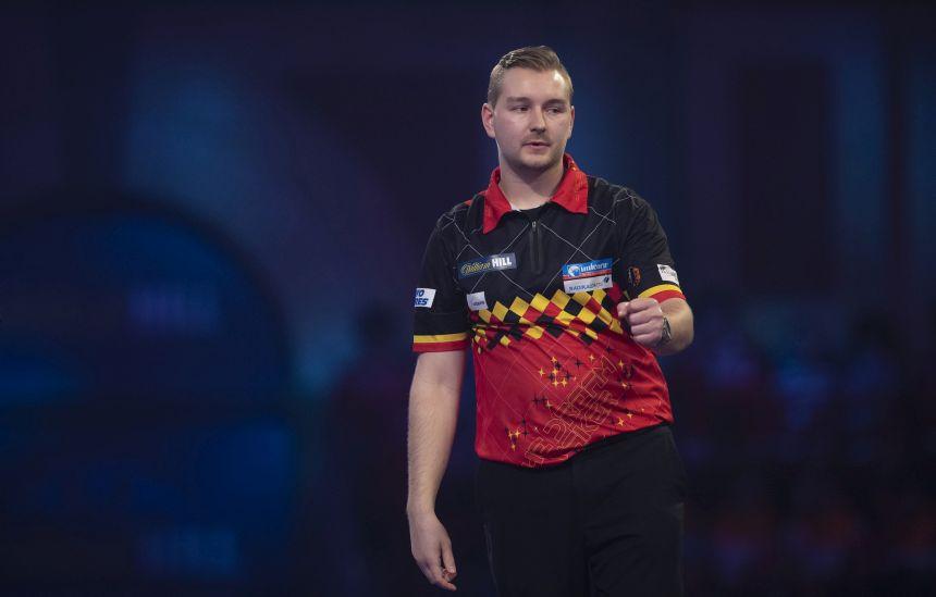 Dimitri van den Bergh zieht problemlos ins Achtelfinale ein