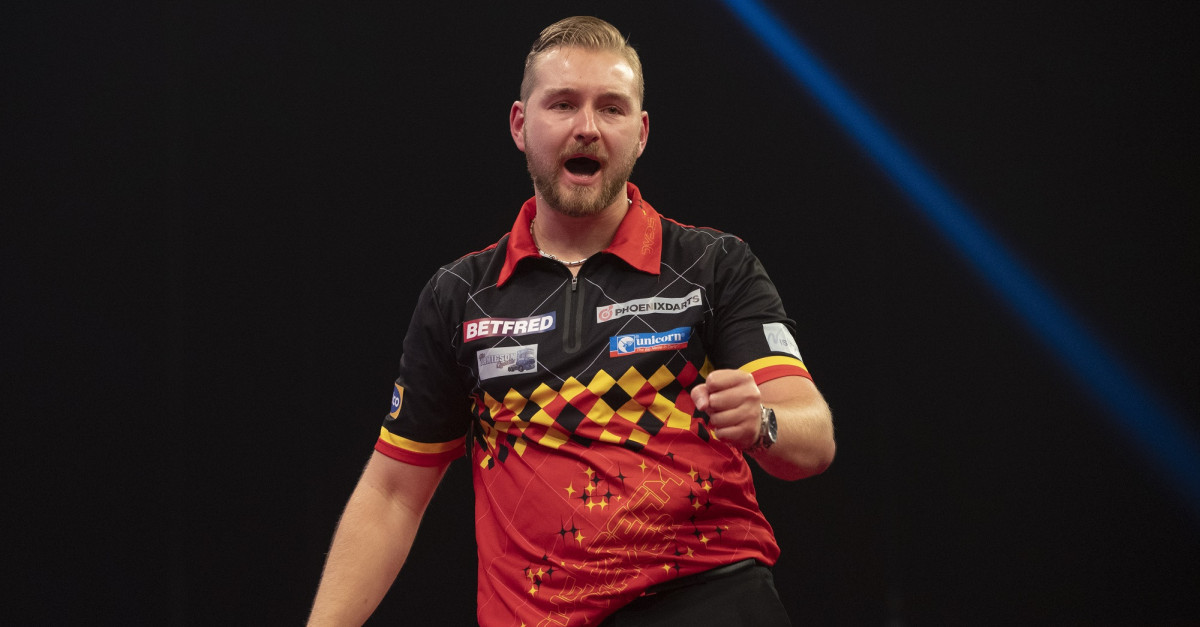 Dimitri van den Bergh beim World Matchplay Darts 2020