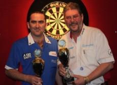 Martin Adams und Ross Montgomery gewinnen das Herren Doppel