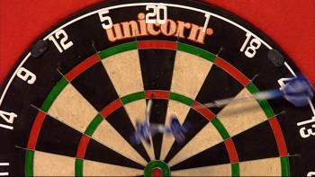Gary Anderson fallen alle 3 Darts aus dem Board - PDC Dart WM 2015