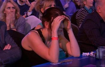 Rachel Anderson konnte teilweise nicht mehr hinsehen - PDC Dart WM 2015