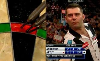 Hier hatte Jyhan Artut das Spiel gegen den Vizeweltmeister Gary Anderson noch voll in der Hand