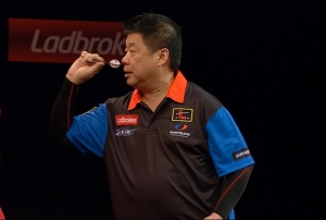 Paul Lim einmal wieder auf einer großen Steeldart Bühne