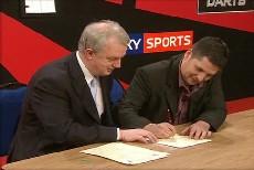 Mit seiner Unterschrift beendete Anderson heute die jahrelangen Diskussionen um seinen Wechsel