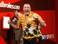 Wayne Mardle hat Phil Taylor besiegt