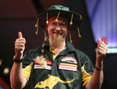 Simon Whitlock freut sich  über seinen Einzug in das Halbfinale