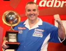 Phil Taylor ist zum 15. Mal PDC Dart Weltmeister