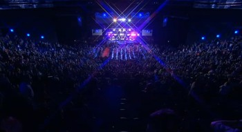Das Publikum in der O2 Arena in Dublin 2013