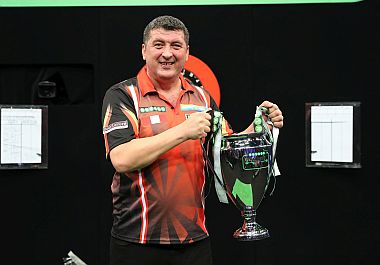 Mensur Suljovic gewinnt die Champions League of Darts 2017