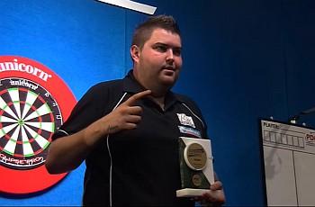 """""""Bullyboy"""" Michael Smith nach seinem Sieg bei der European Darts Trophy 2014 in Leipzig"""