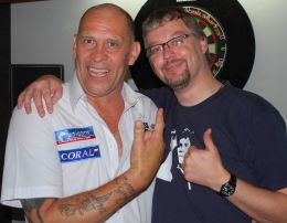 Russ Bray und dartn.de Redakteur Patrick Exner